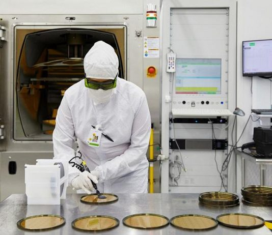 Apple awards $410 million from its Advanced Manufacturing Fund to II-VI